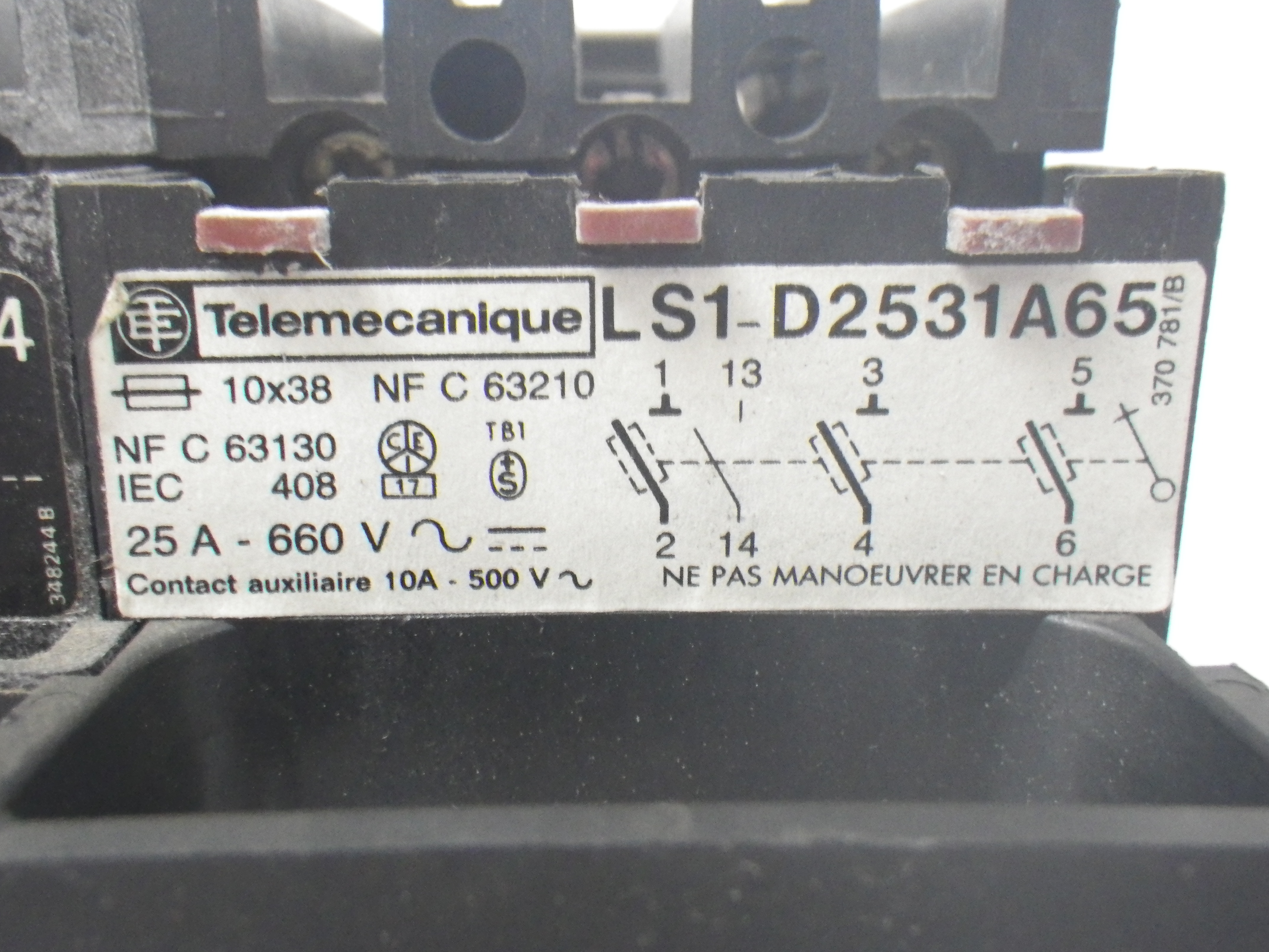 ls1-d2531a65-telemacanique-25a-660v-fuse-holder-w-