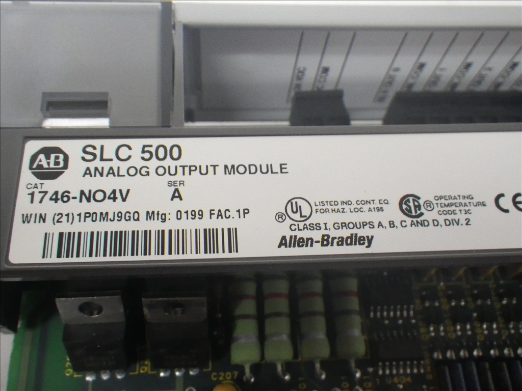 1746-NO4V Allen Bradley New (4)