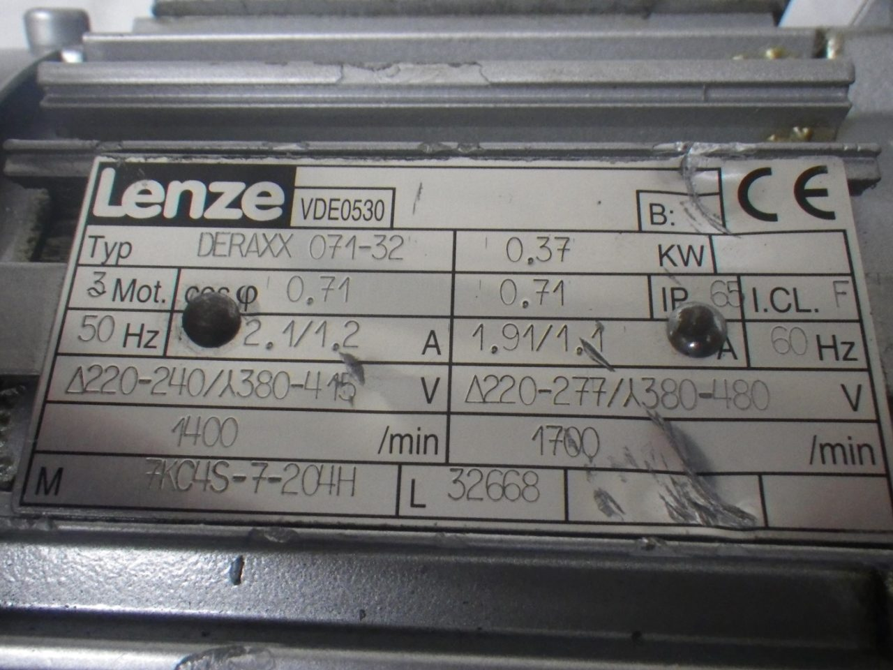 IMGP6494LENZE Motor + Gearbox 0.37kw or 12hp ip65 (2)