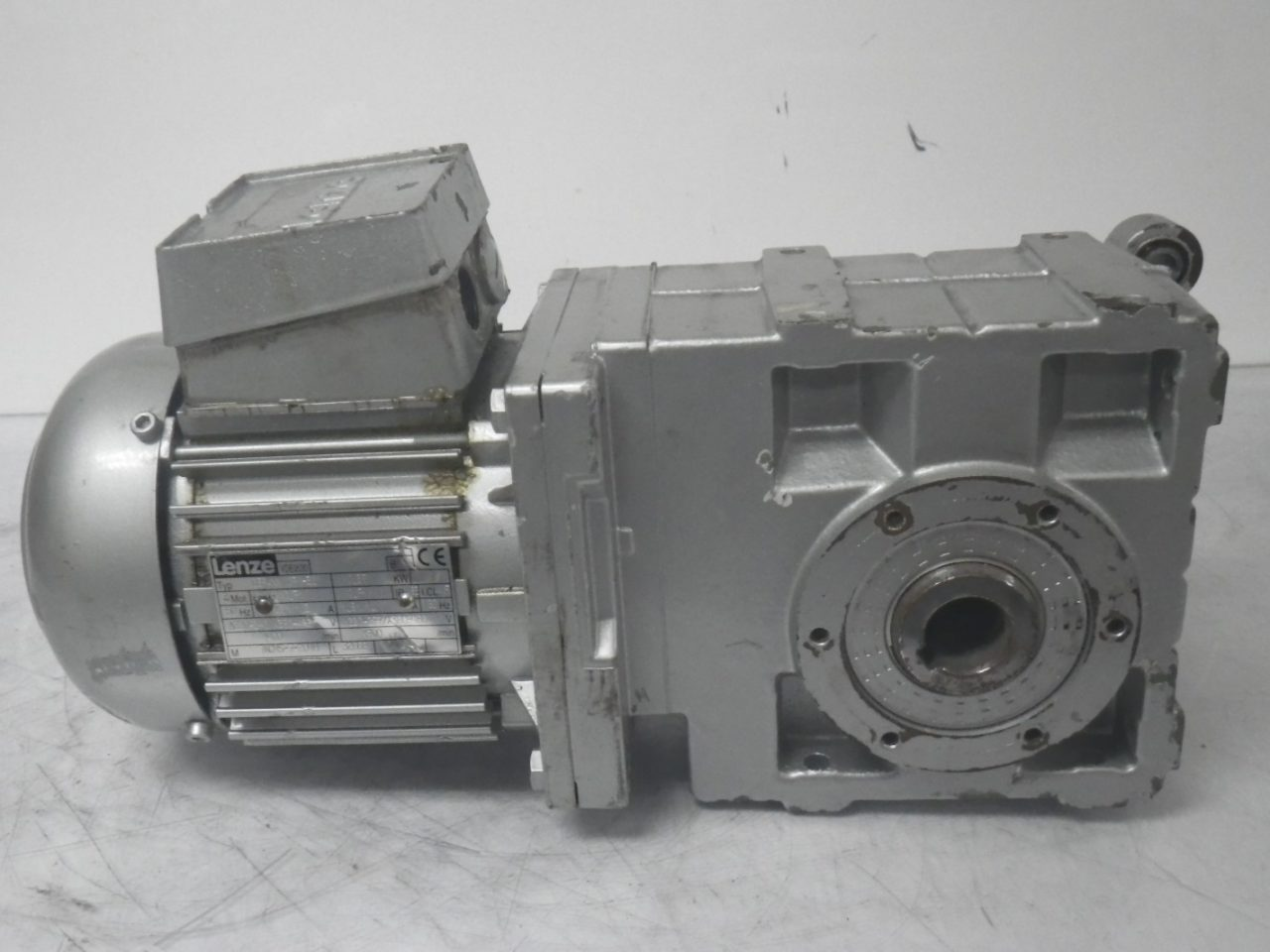IMGP6494LENZE Motor + Gearbox 0.37kw or 12hp ip65 (4)