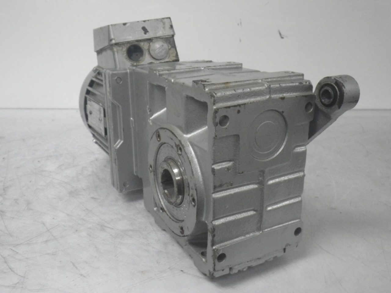 IMGP6494LENZE Motor + Gearbox 0.37kw or 12hp ip65 (6)