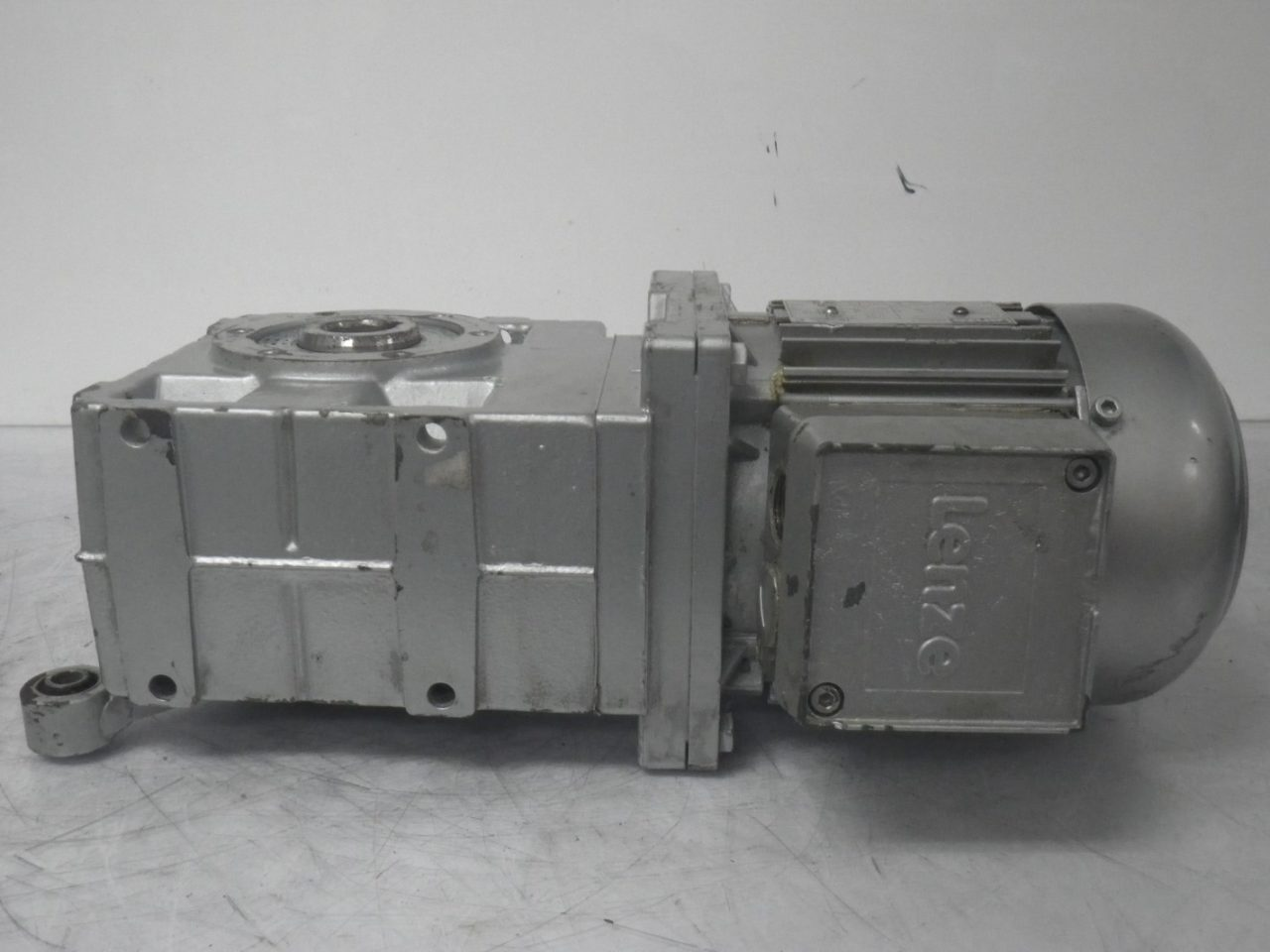 IMGP6494LENZE Motor + Gearbox 0.37kw or 12hp ip65 (9)
