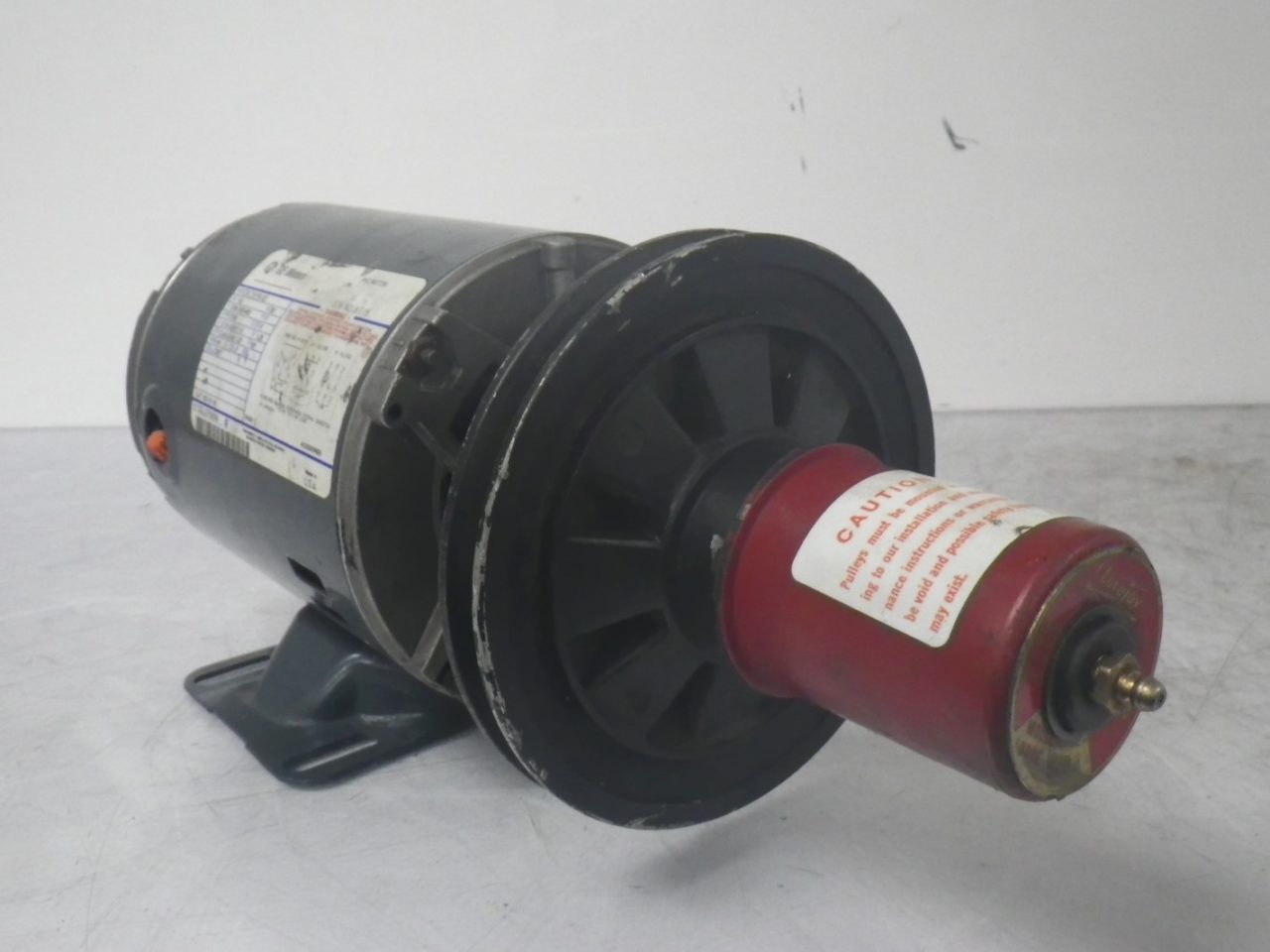 IMGP65595K36MN4B 160 58B GE Motor With LOVEJOY Pulley Type 160 58b 12hp 208-230460v 1725rpm (4)