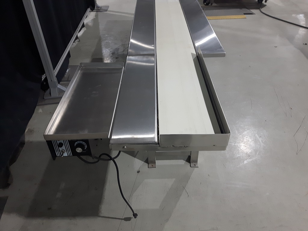 Dorner Packing Conveyor Table