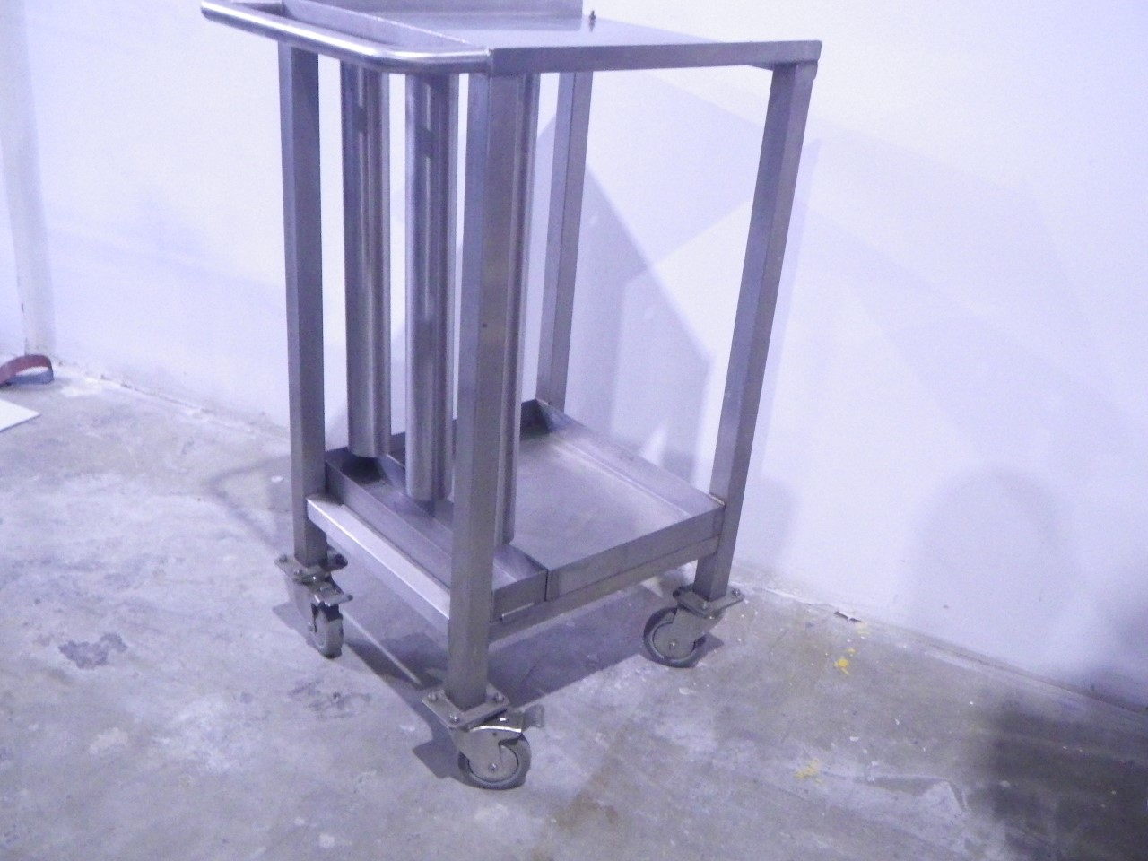 Custom stainless steel cart (1)