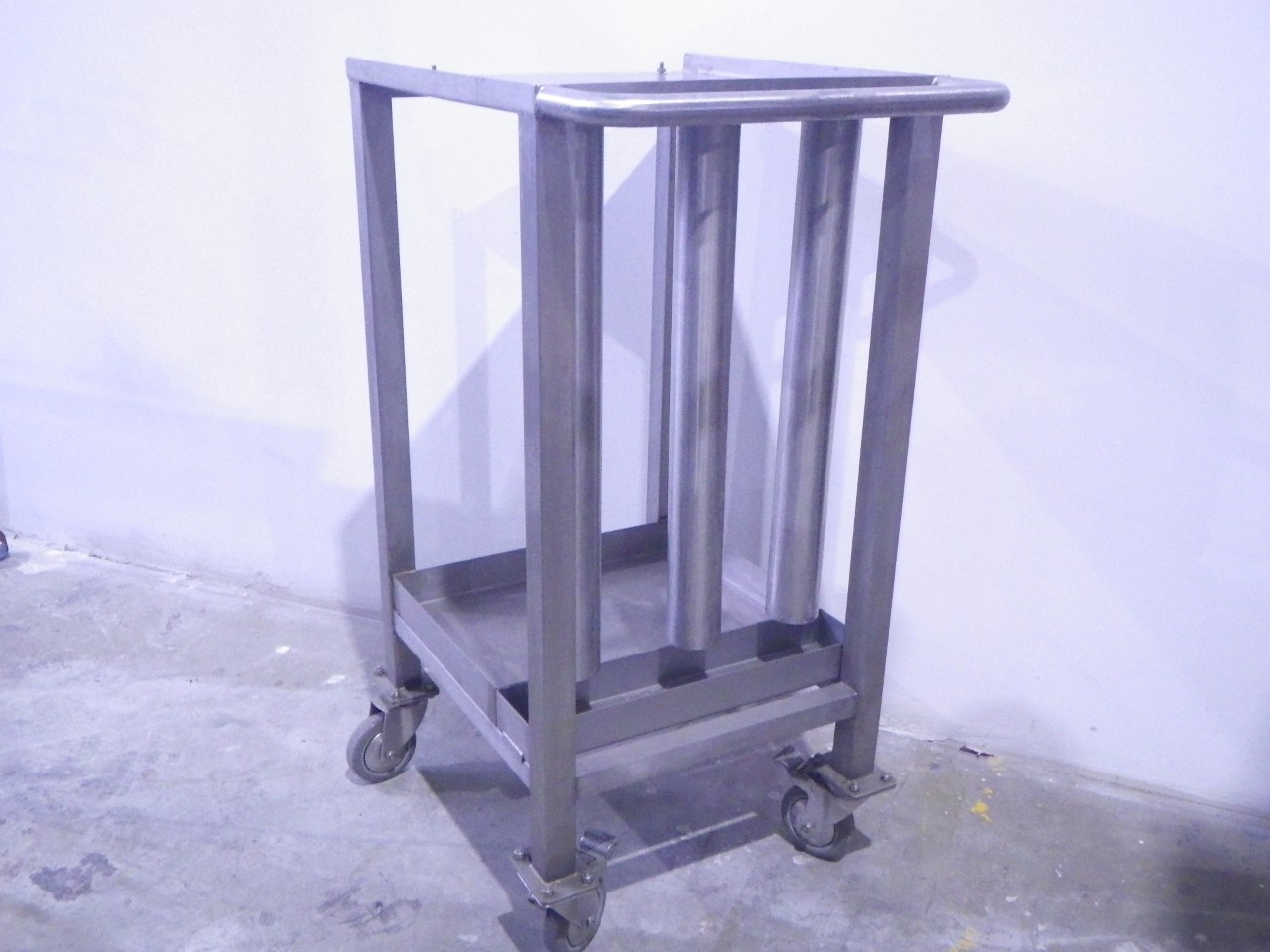 Custom stainless steel cart (5)