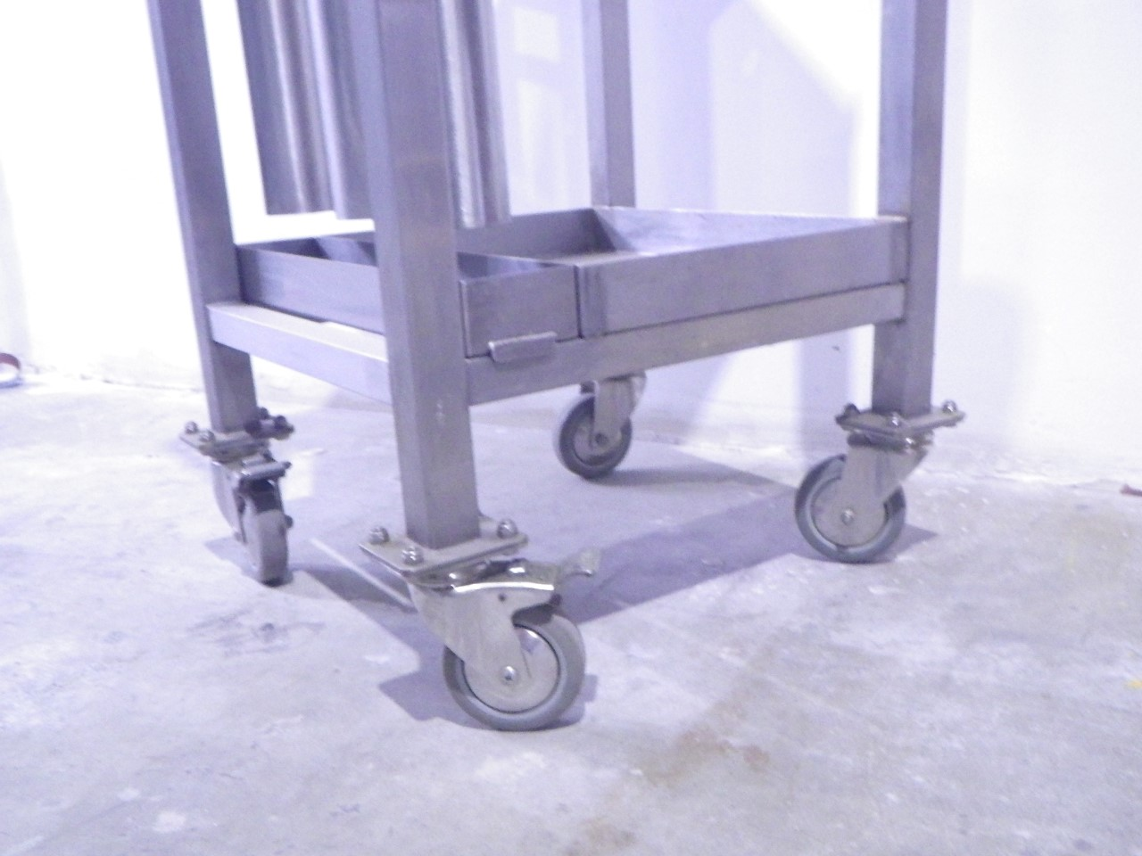 Custom stainless steel cart (9)