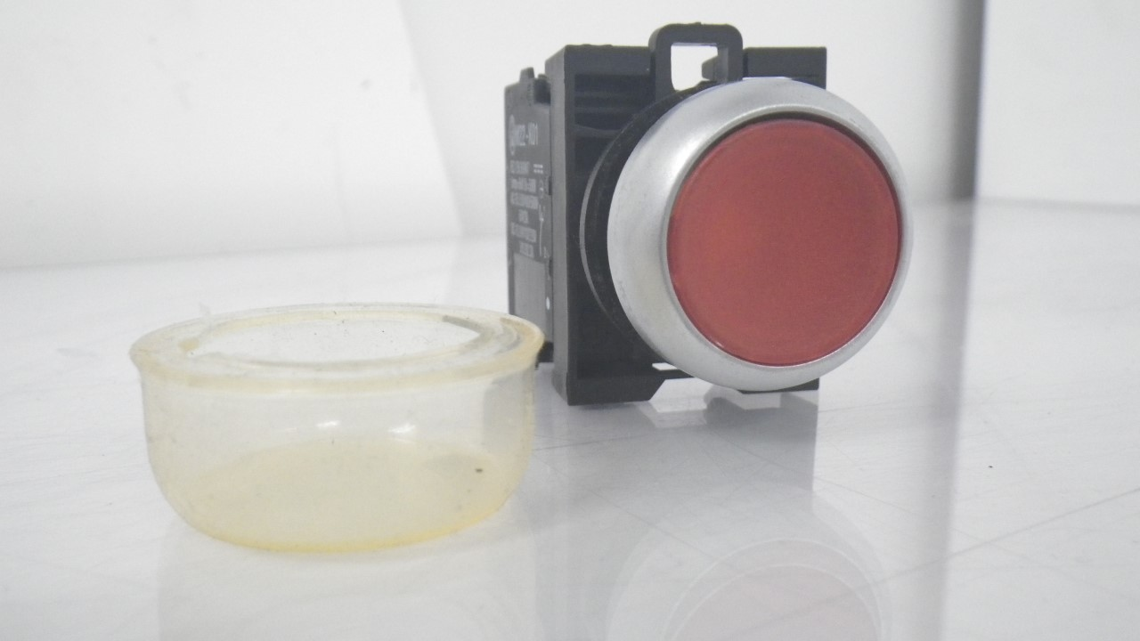 IMGP7283M22-K01Moeller Red Push Button Stop 10a 600vac 1a 250vdc (Used Tested) (13)