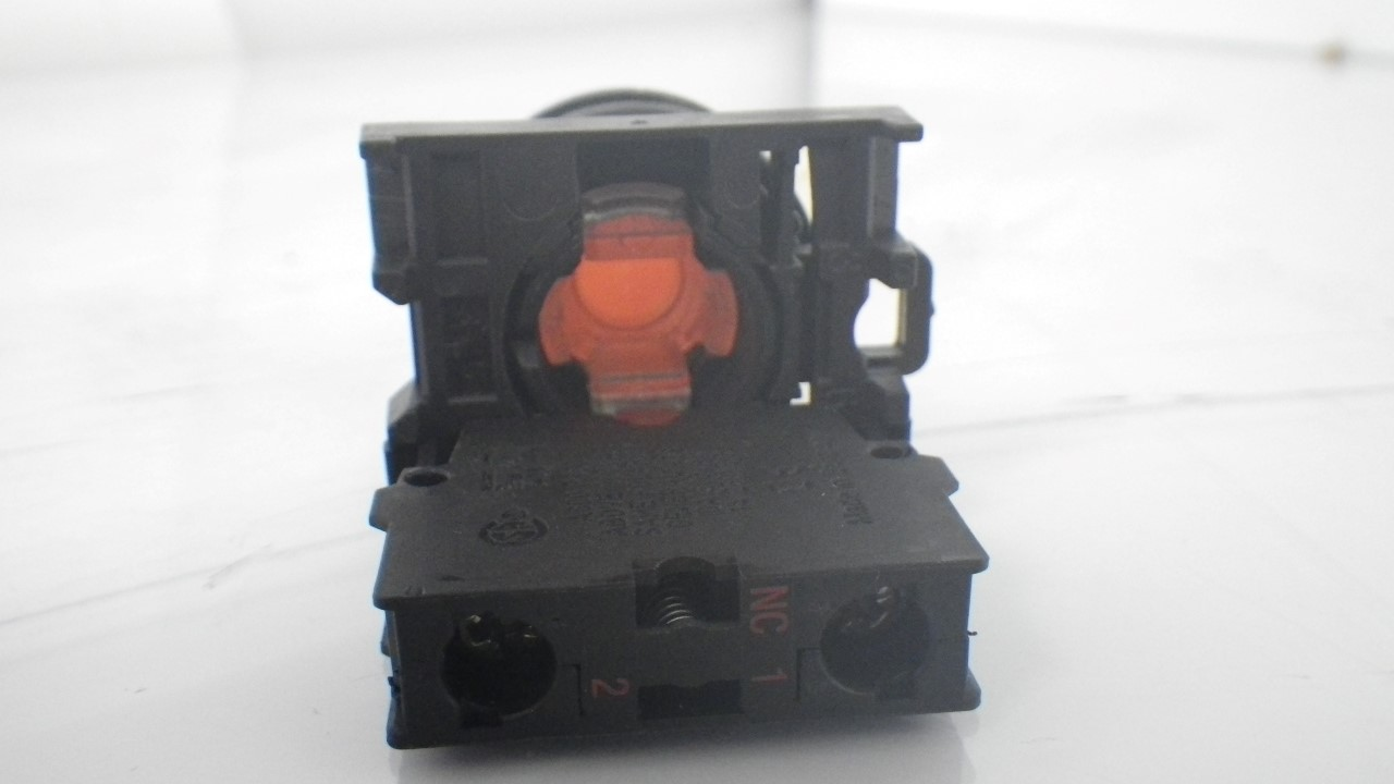 IMGP7283M22-K01Moeller Red Push Button Stop 10a 600vac 1a 250vdc (Used Tested) (15)