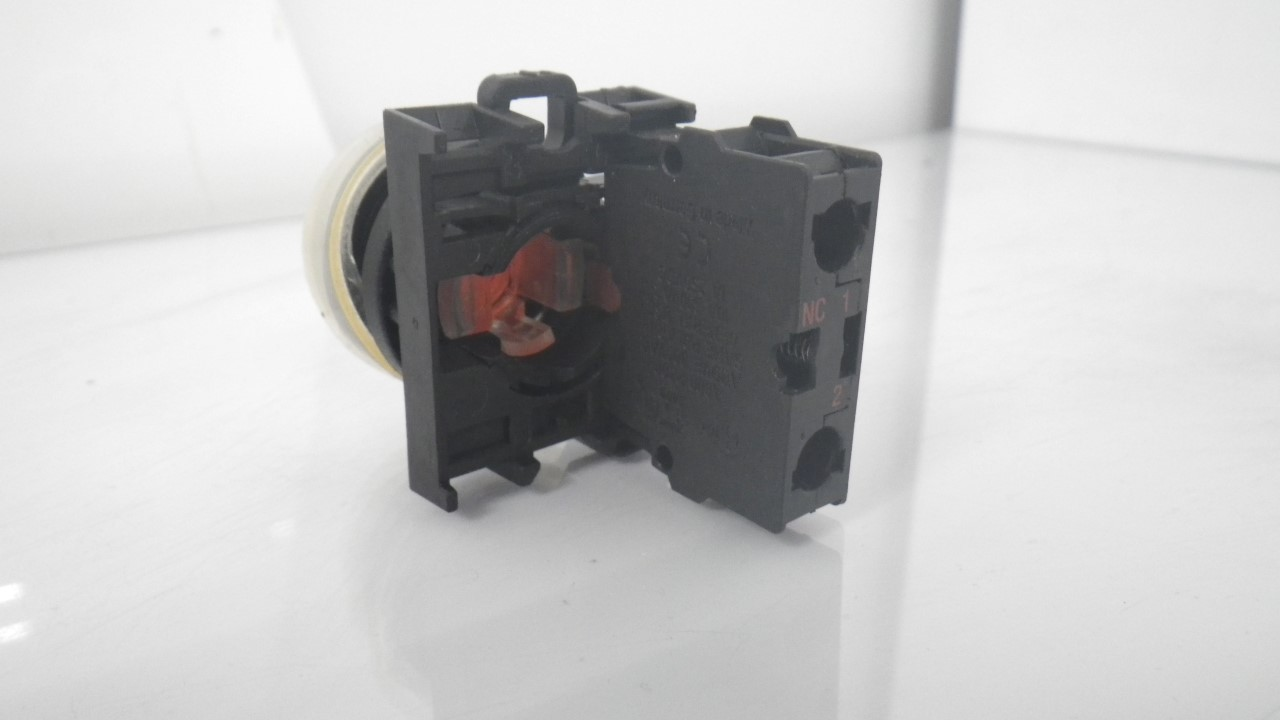 IMGP7283M22-K01Moeller Red Push Button Stop 10a 600vac 1a 250vdc (Used Tested) (7)