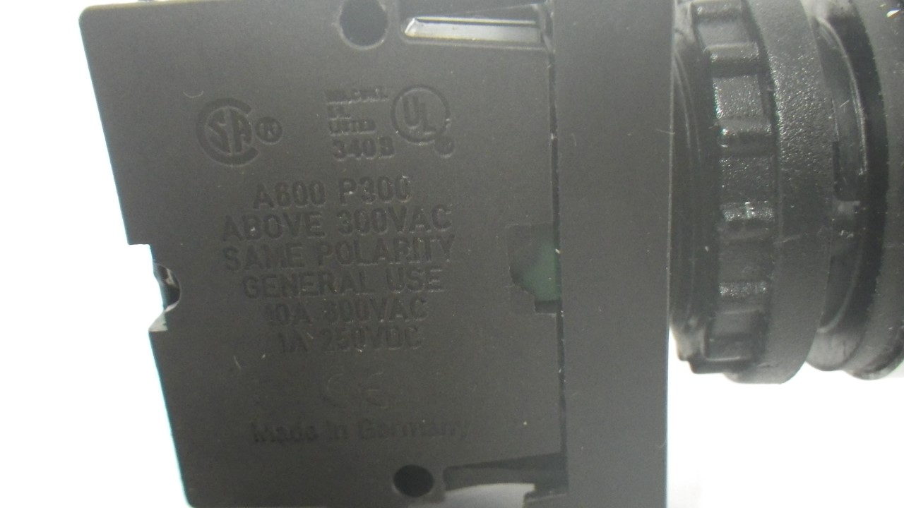 IMGP7300M22-K10 X 2 Moeller contact block with onoff switch 10a contact block (Used Tested) (10)