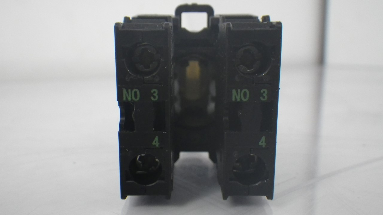 IMGP7300M22-K10 X 2 Moeller contact block with onoff switch 10a contact block (Used Tested) (12)