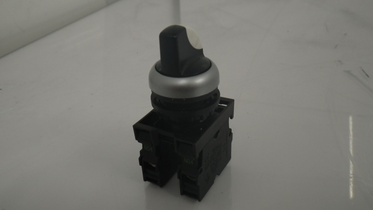 IMGP7300M22-K10 X 2 Moeller contact block with onoff switch 10a contact block (Used Tested) (16)