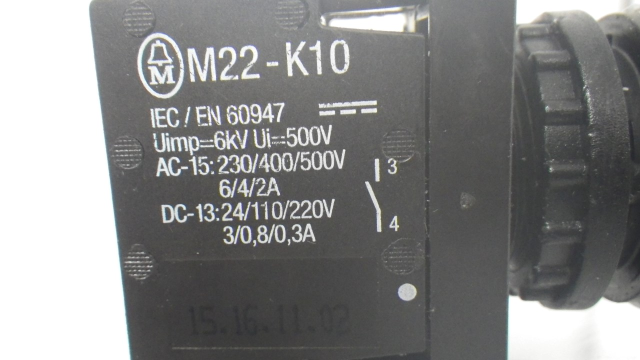IMGP7300M22-K10 X 2 Moeller contact block with onoff switch 10a contact block (Used Tested) (8)