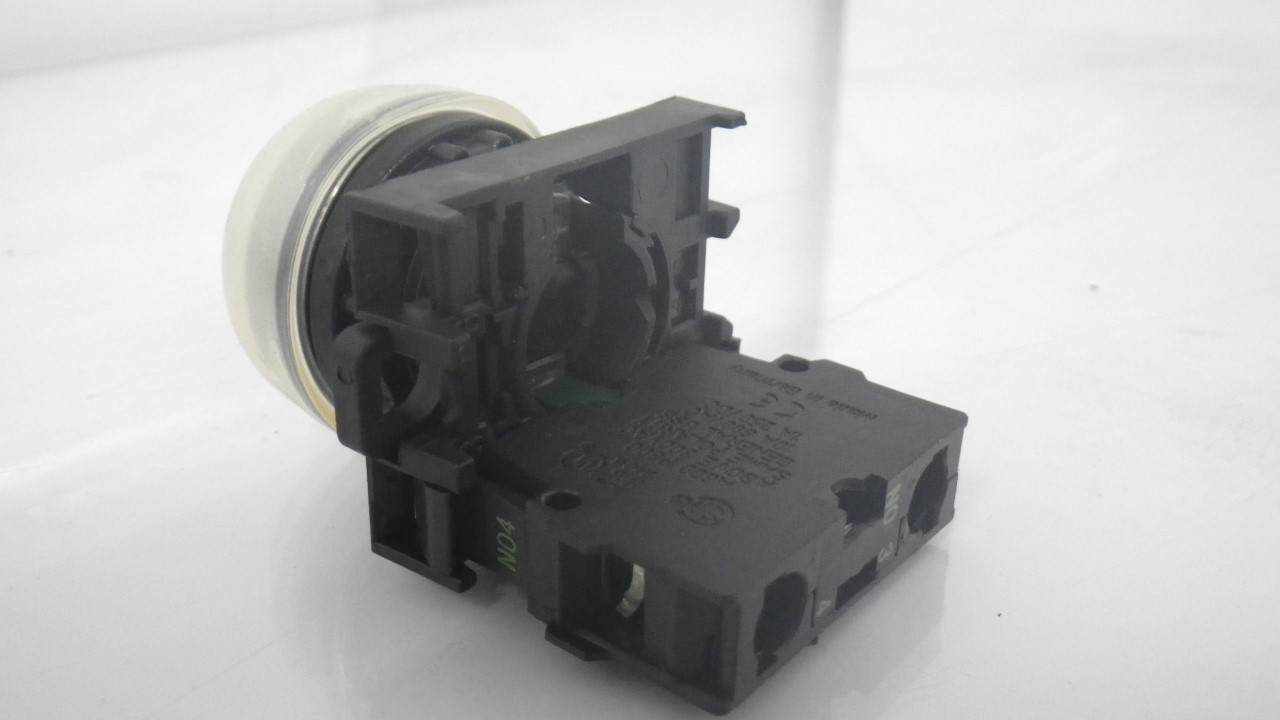 IMGP7314M22-K10Moeller Push Black Button 10A 600VAC (Used Tested) (7)