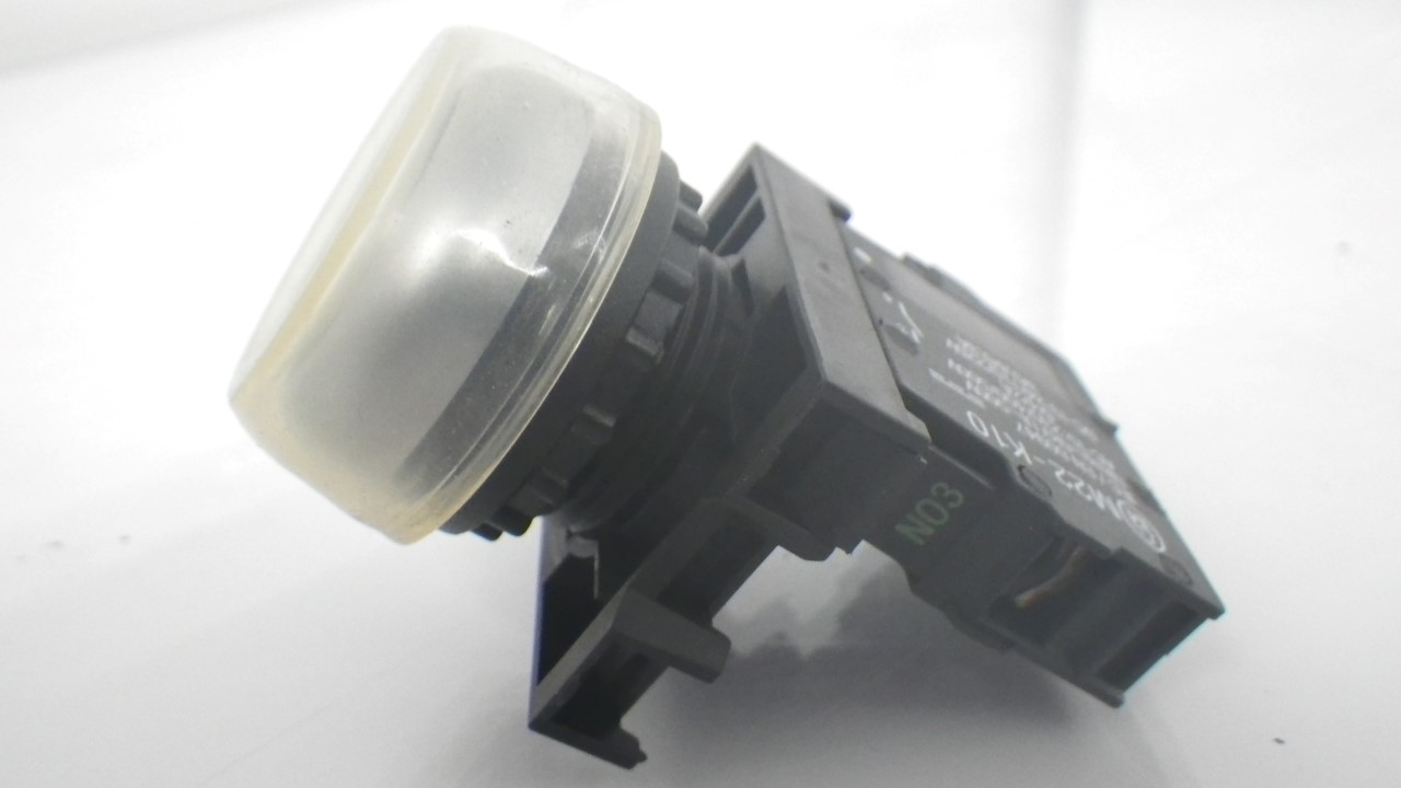 IMGP7314M22-K10Moeller Push Black Button 10A 600VAC (Used Tested) (8)