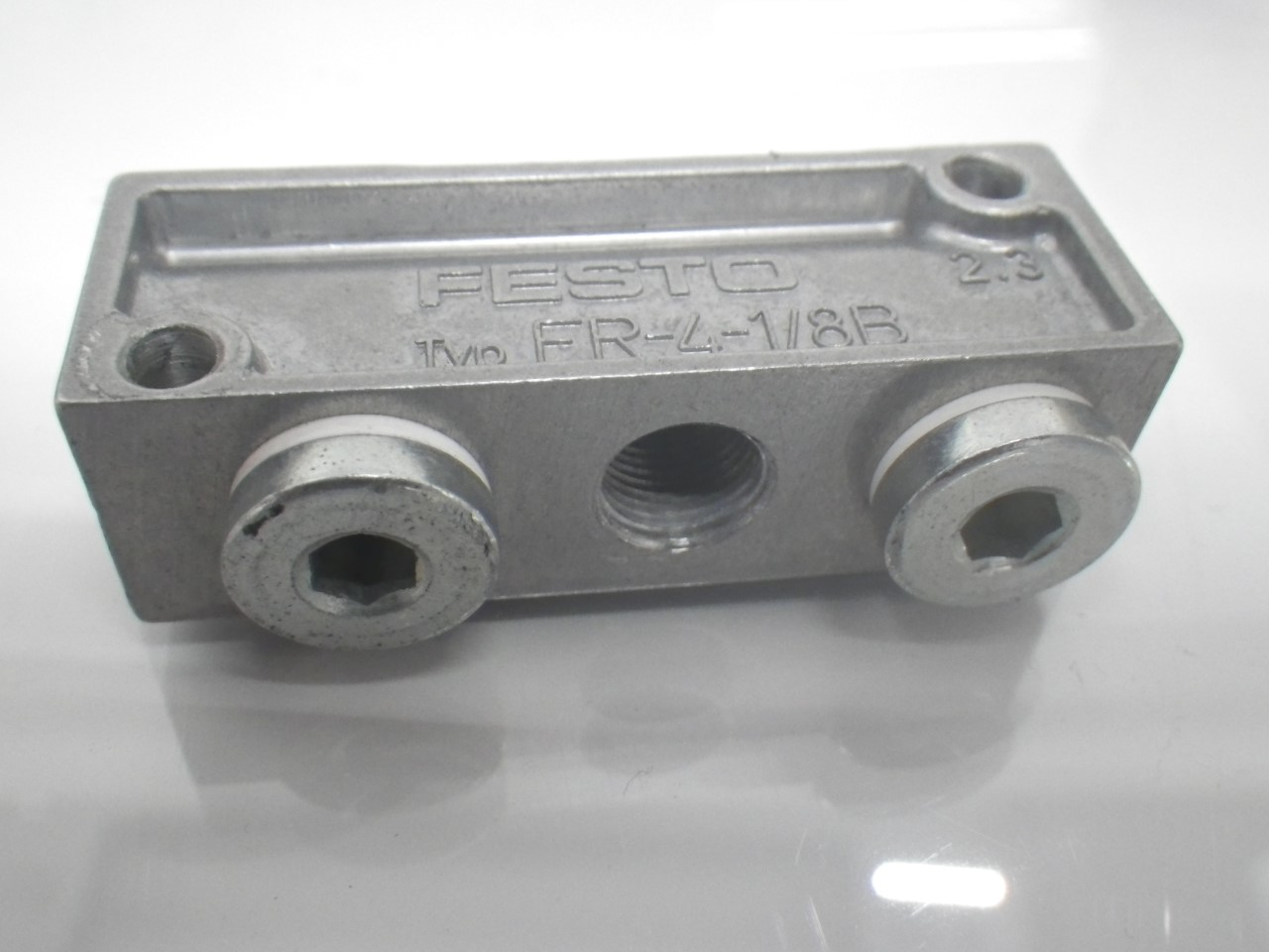 IMGP1109FR-4-18B Festo Pneumatic Distributor Block 4 Holes 5.6 x 2 x 1.6cm(Used Tested) (5)