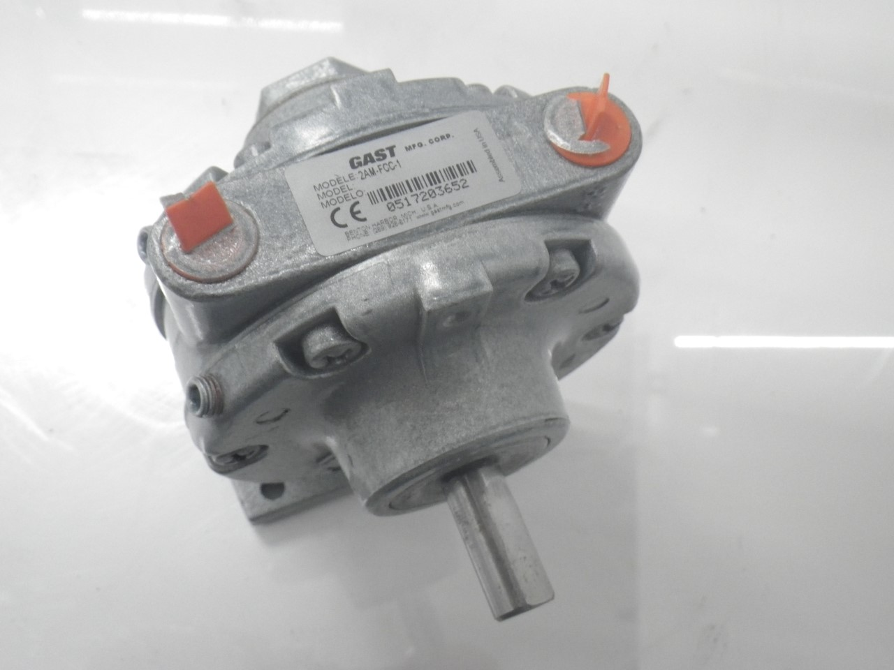 IMGP11832AM-FCC-1 Gast Air Motor (Used Tested) (Very Good Condition) (15)