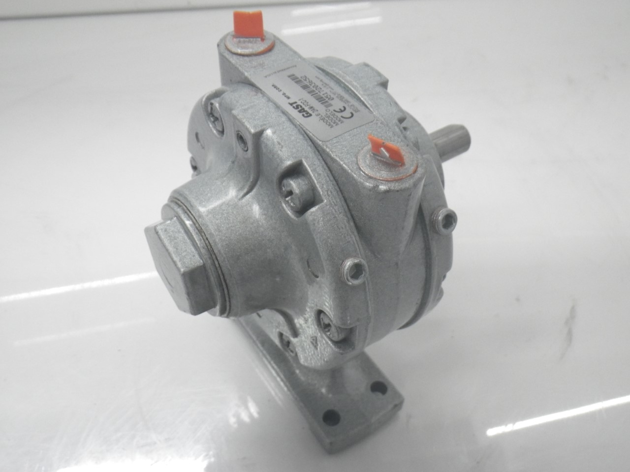 IMGP11832AM-FCC-1 Gast Air Motor (Used Tested) (Very Good Condition) (3)