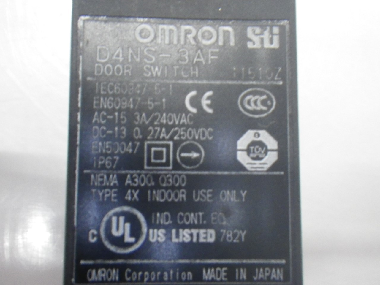 IMGP6811D4NS-3AFOmron Door Switch ,240 Vac, 3 A (Barely Used) (8)