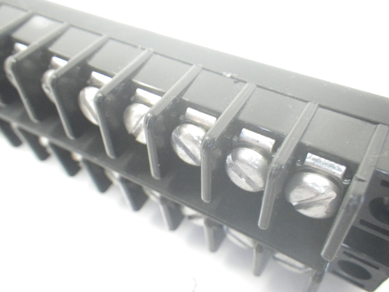 IMGP6826MAG-MASTER40 Magnum Terminal Strip Block Connector 40 Terminals (Barely Used) (15)