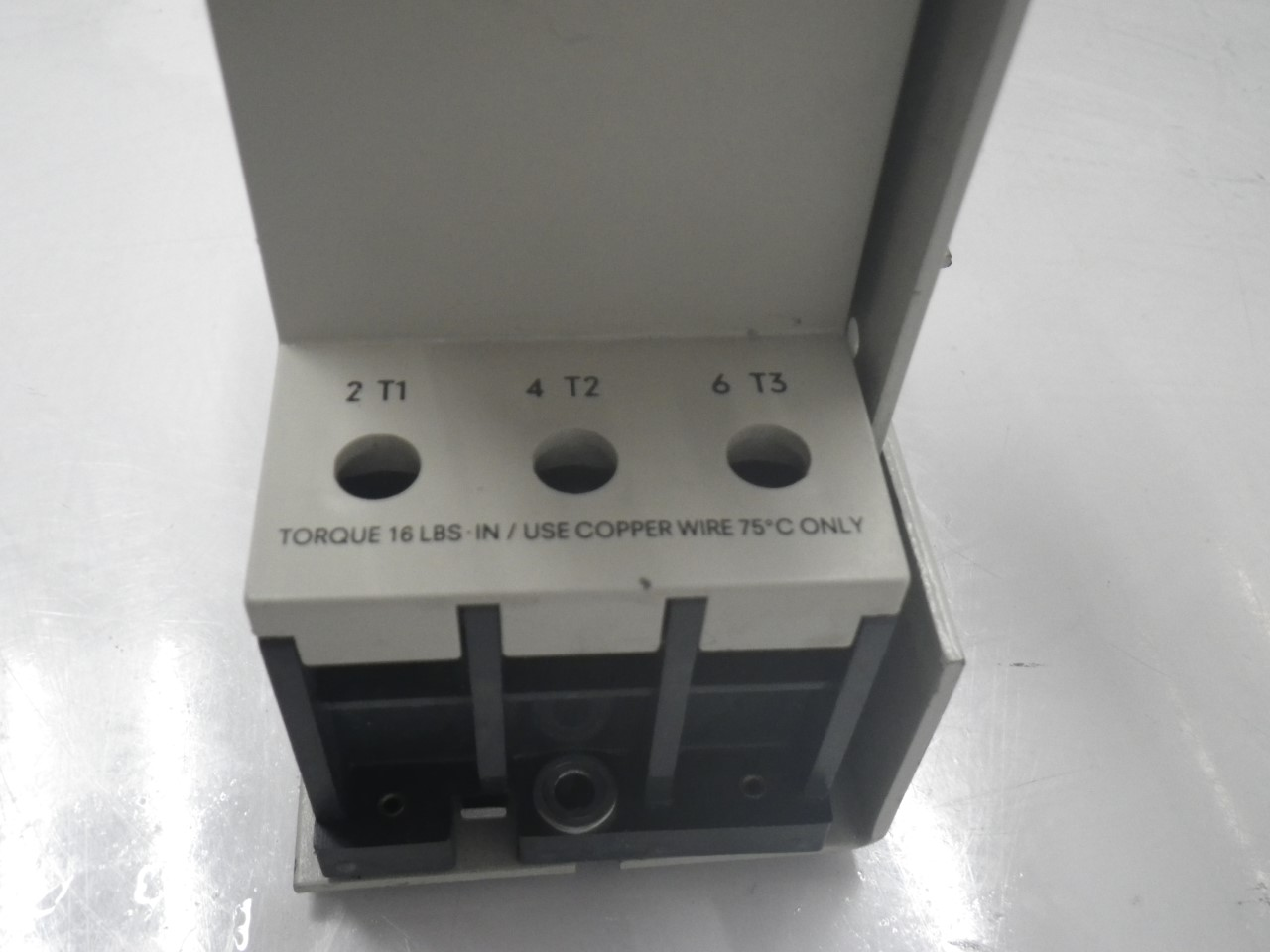 IMGP68893VE3-000-2PA00Siemens 3ve3-000-2pa00 Starter Protector 22-32a (Used Tested) (10)