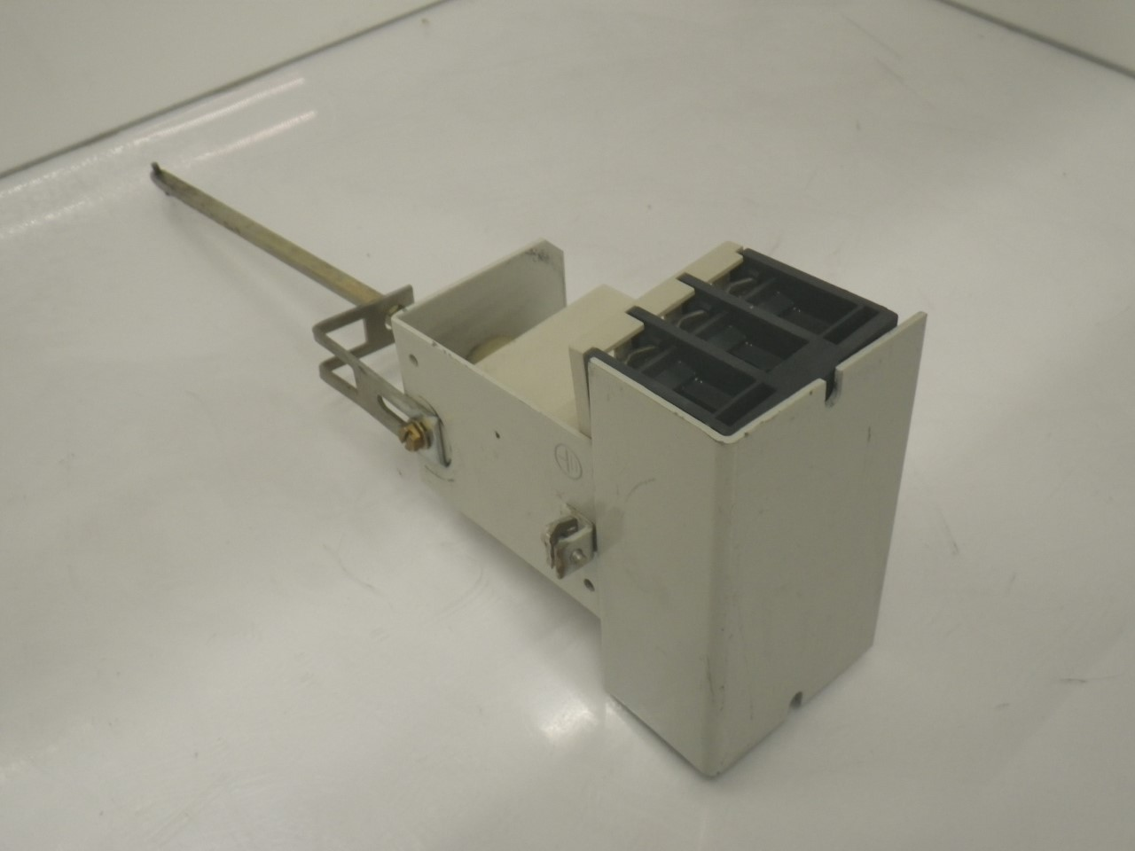 IMGP68893VE3-000-2PA00Siemens 3ve3-000-2pa00 Starter Protector 22-32a (Used Tested) (7)