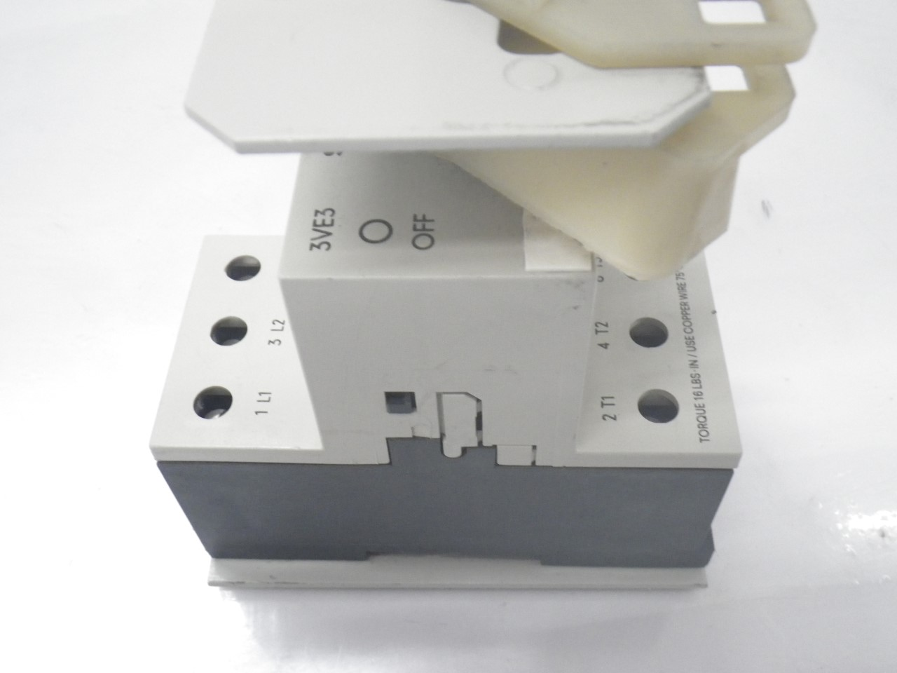 IMGP68893VE3-000-2PA00Siemens 3ve3-000-2pa00 Starter Protector 22-32a (Used Tested) (8)