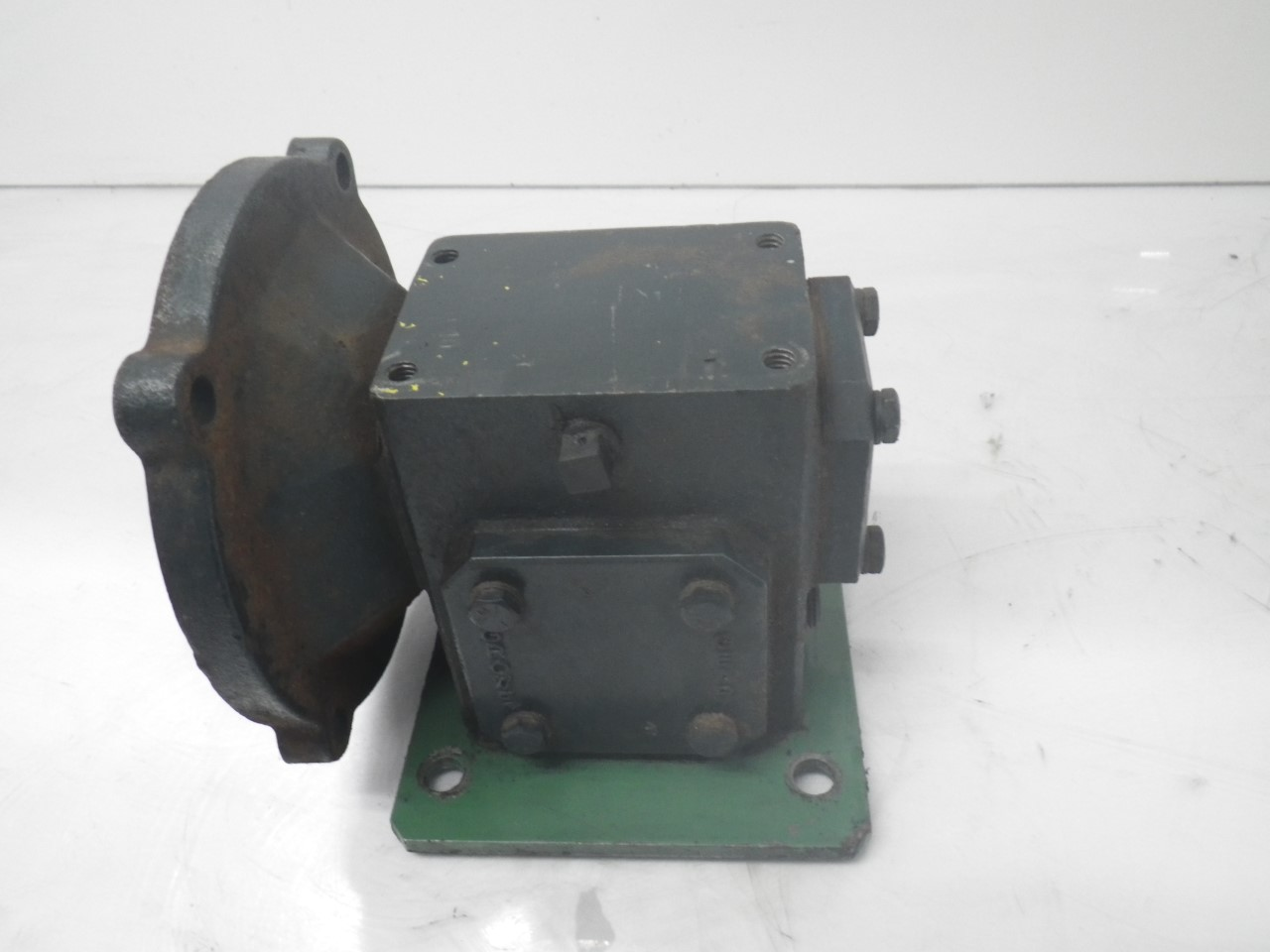IMGP6972M01133-2 Flexaline GearBox 0.260 inhp, ratio140 motor frame56c (Used Tested) (5)