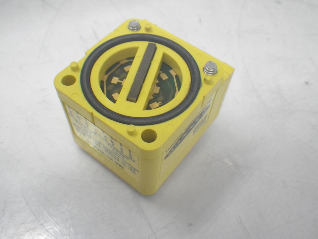 IMGP8411RSBD Banner Engineering Photoelectric Sensor Maxi-beam Diffuse(Used Tested) (3)