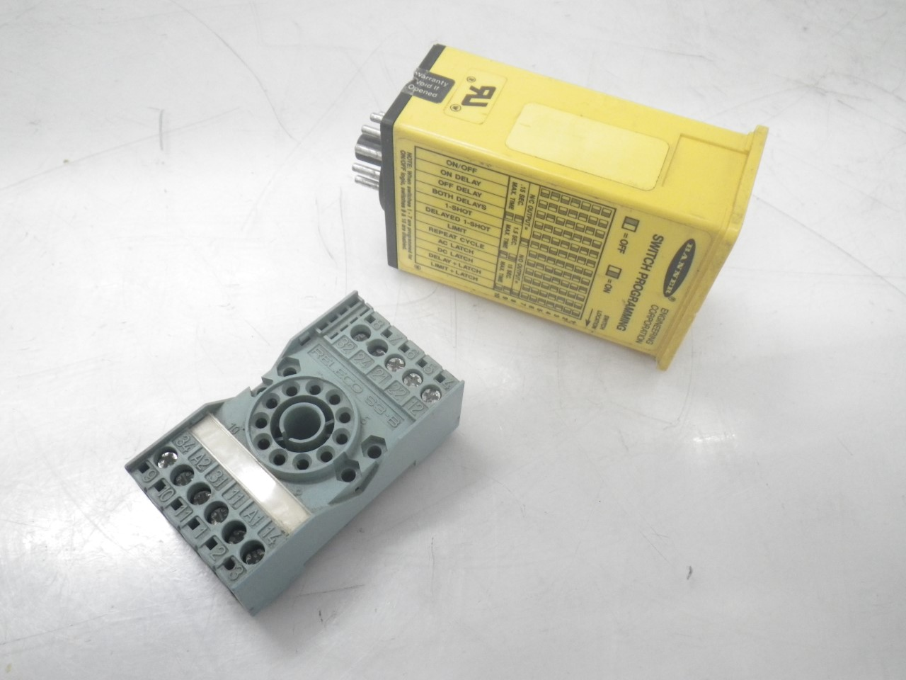 IMGP8439CL5A Banner Sensor Logic Module; MAXI-AMP+S3-B Releco Relay Socket (Used Tested) (13)