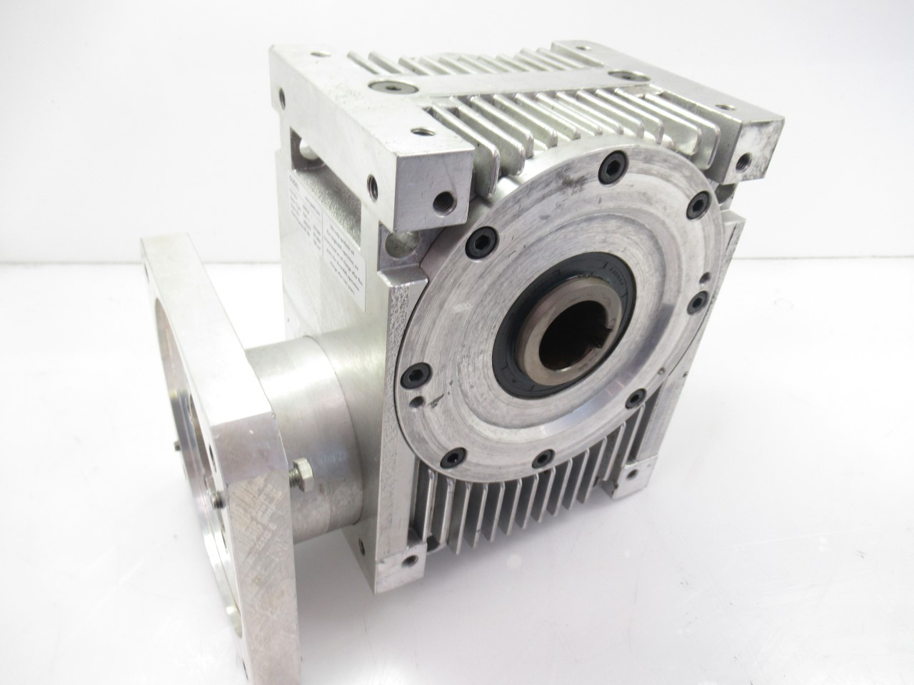 409010 - Gudel AE 090/L Worm Gear Right Angle Gearbox Ratio 8 60:i Input